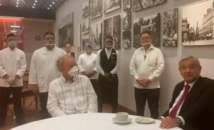 AMLO agradece a dueño de restaurante no despedir a trabajadores