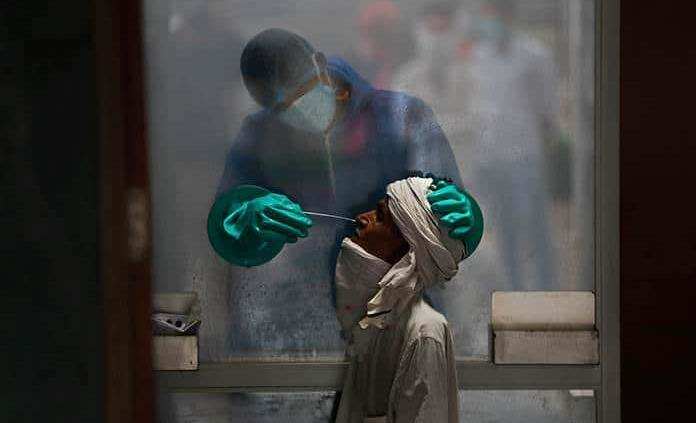 India rompió la barrera del millón de contagios