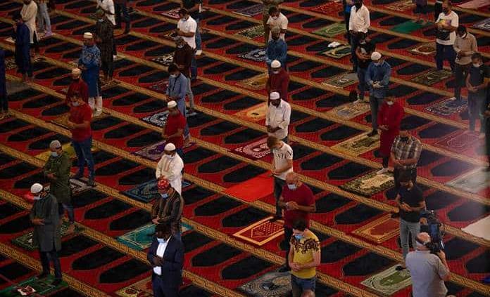 Oriente Medio celebra la Fiesta del Sacrificio con mascarilla y sin rezos colectivos