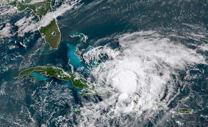 Gobernador de Florida pone en estado de emergencia a la costa este por huracán