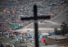 Perú duplicaría el número de muertos por COVID-19 si confirma sospechosos