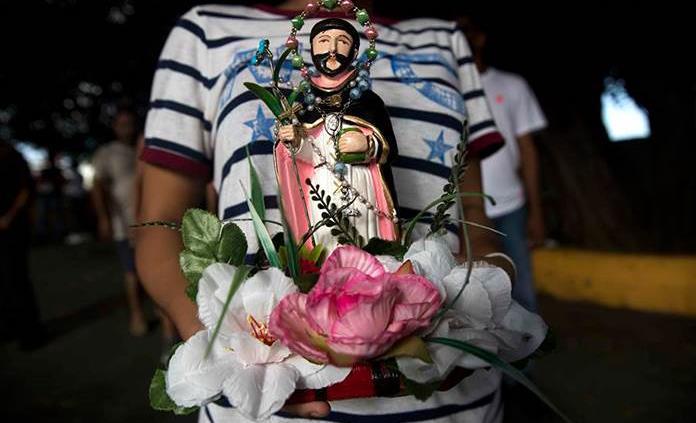 Cientos desafían a Iglesia católica y pandemia con fiesta pagana en Nicaragua