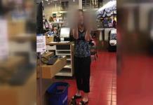 Detienen en EEUU a una mujer que tosió sobre otra deliberadamente (VIDEO)