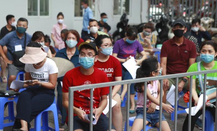 Vietnam reporta más de 30 casos nuevos y la tercera muerte por virus