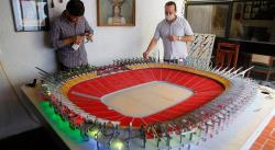 Familia jalisciense construye réplica del estadio de los Jefes de Kansas