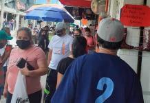 Reclaman peatones banquetas libres