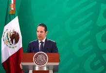 Gobernador de Querétaro honra al personal de salud durante el Grito