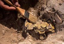 Hallan en Israel un tesoro islámico escondido con 425 monedas de oro puro