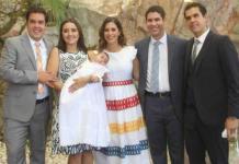 Victoria Rosillo Cadena recibe el bautismo