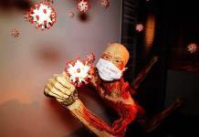 Bodies, la exhibición de cuerpos humanos ahora expone efectos de COVID-19 (FOTOS)