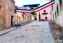Calles del Pueblo Mágico lucen adornos patrios