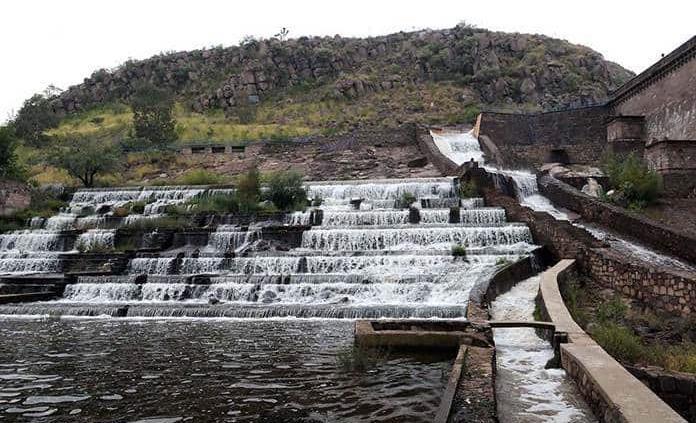 Cierran río Santiago por desfogue de presa San José