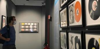Banksy y Rafael dialogan en el Claustro de Bramante en Roma