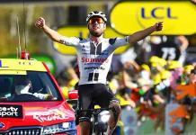 El suizo Hirschi gana la etapa y Roglic pasa otro día de amarillo en el Tour de Francia
