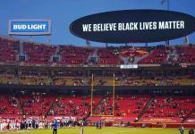 Los Texans y Chiefs se manifestaron ante las injusticias raciales