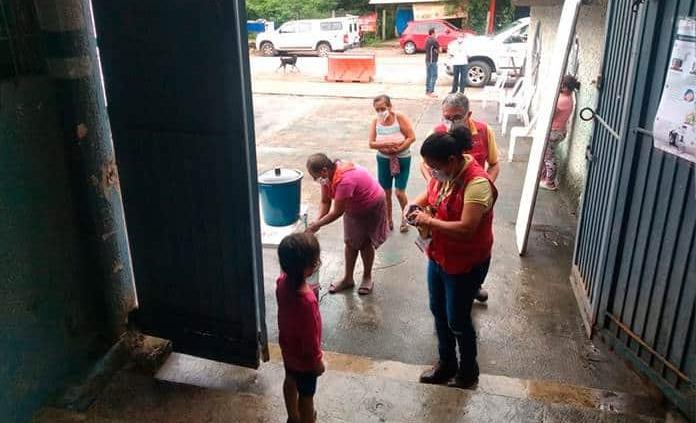 Bajo protocolos sanitarios instalan albergues temporales por lluvias en Tamazunchale