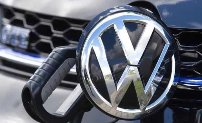 Volkswagen y Honda piden a propietarios mandar a revisión vehículos
