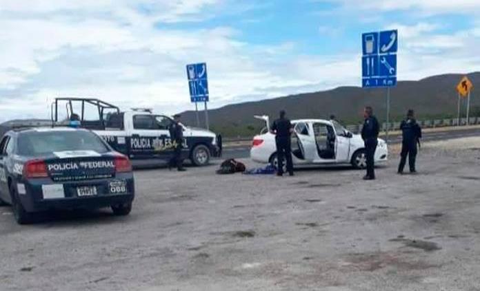 Delincuentes despojan a jornaleros de su camioneta