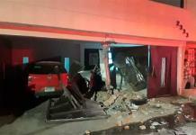 Se estampa carro contra casa en la Potosí-Rioverde