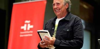 Serrat homenajea a Benedetti, el poeta que vio en la canción un arte