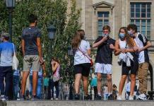 El Louvre renueva el jardín de las Tullerías con 92 olmos
