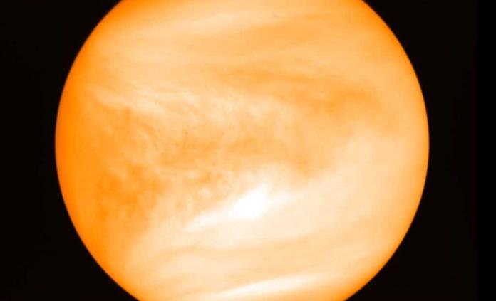 Hallan indicios de potencial de vida en atmósfera de Venus