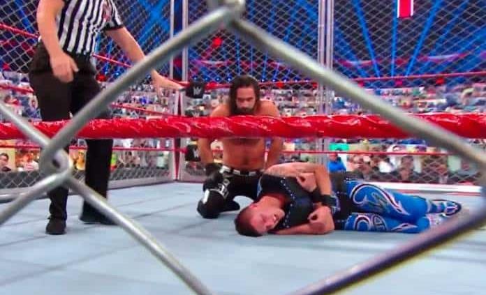 Dominik Mysterio es cruelmente vencido en lucha en jaula