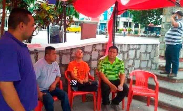 Otra vez protestan los transportistas en la SCT en Valles