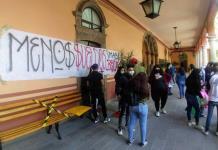 Espera UASLP lista de estudiantes que denuncian falta de pago de beca