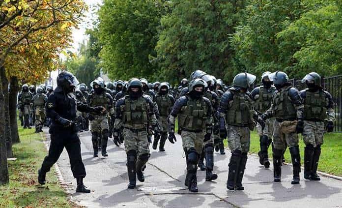 Al menos 250 detenidos en protestas contra el presidente — Bielorrusia