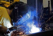 Se desacelera la producción industrial de EEUU