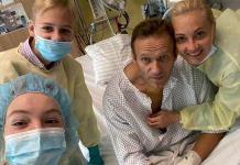 Navalny comparte foto en el hospital