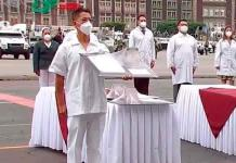 Enfermero del Hospital 50 del IMSS recibe Condecoración Miguel Hidalgo 2020