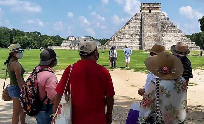Artesanos de Chichén Itzá, molestos con INAH por cierre
