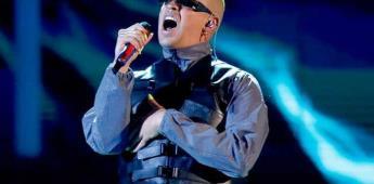 Bad Bunny triunfa en unos American Music Awards rendidos a lo latino