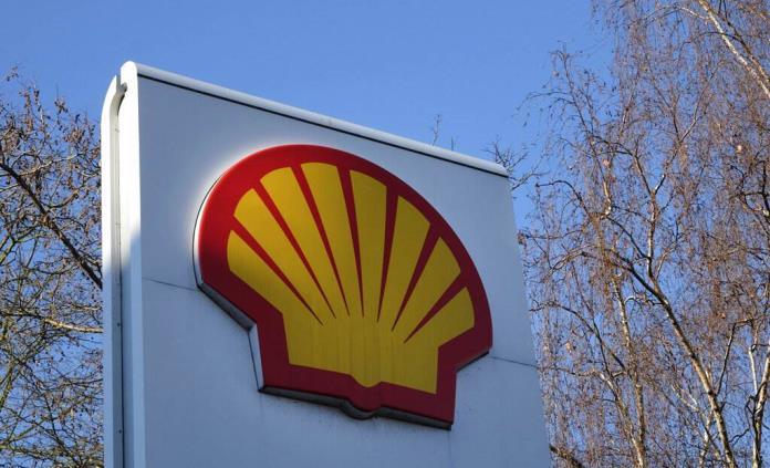 Shell promete acelerar su transición energética para cumplir sentencia