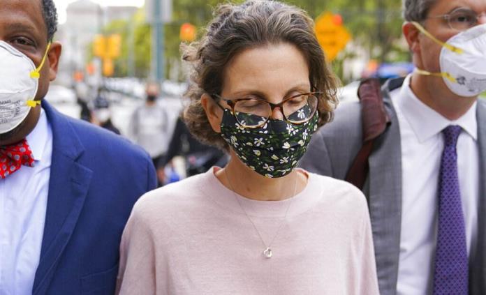 Clare Bronfman recibe casi siete años de cárcel por caso Nxivm