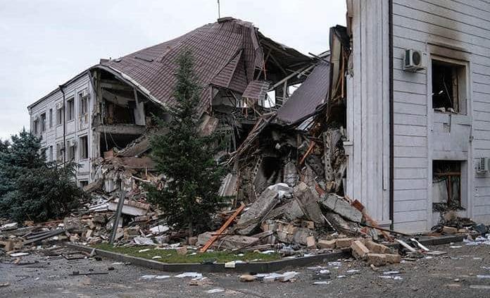 Azerbaiyán ataca a cañonazos la capital de Nagorno Karabaj
