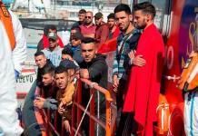 Canarias suma nueva jornada de rescates con 330 inmigrantes; uno falleció