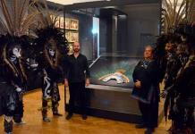Museo de Viena dice que el penacho de Moctezuma no podrá trasladarse al menos en 10 años