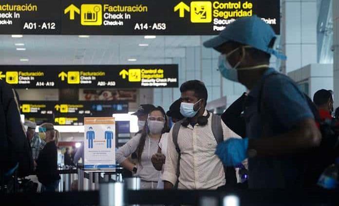 Líneas aéreas y aeropuertos se unen para pedir test de Covid previos a vuelos