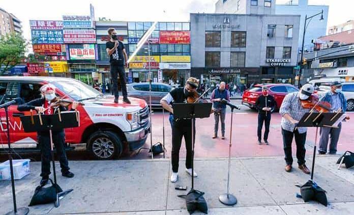 Sin salas de concierto, la Filarmónica de Nueva York sale a la calle