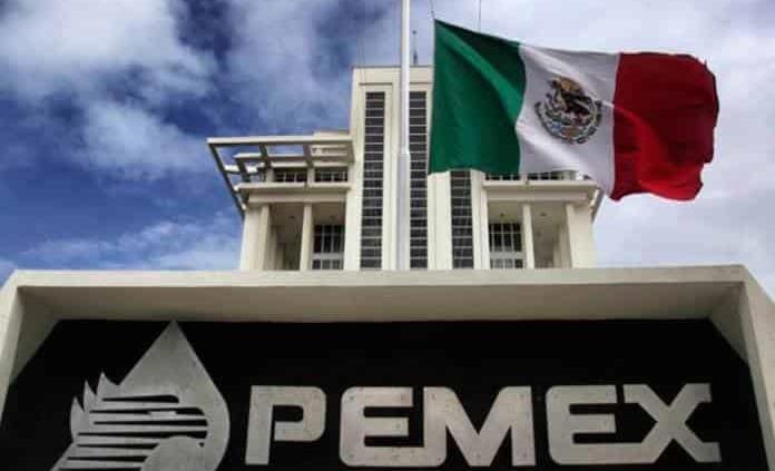 Director de Pemex defiende que petrolera genera ingresos, no gastos