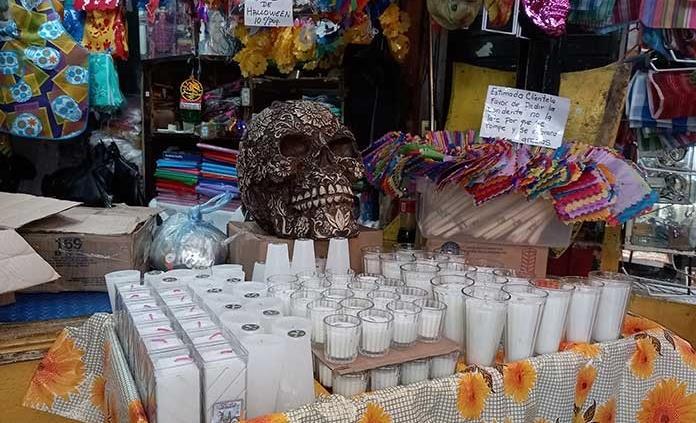 Prevén locatarios del mercado Hidalgo hasta 60% menos ventas en Día de Muertos, por pandemia