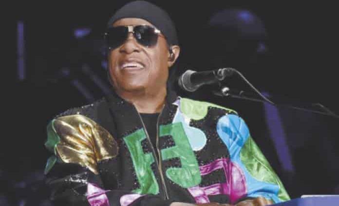 Stevie Wonder se traslada a vivir a Ghana por la agitación política en EE.UU