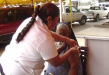 Aplican vacuna vs. influenza a adultos mayores del Asilo