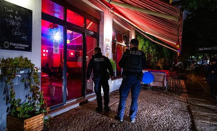 Justicia de Berlín deroga la orden de cierre nocturno de bares y restaurantes