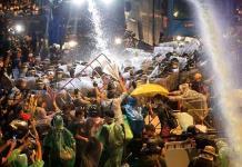 Miles de manifestantes burlan a la policía con nueva protesta en Tailandia