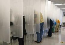 Virus aumenta en estados claves antes de elecciones en EEUU