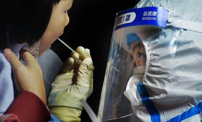 China vincula brote en Qingdao a hospital
